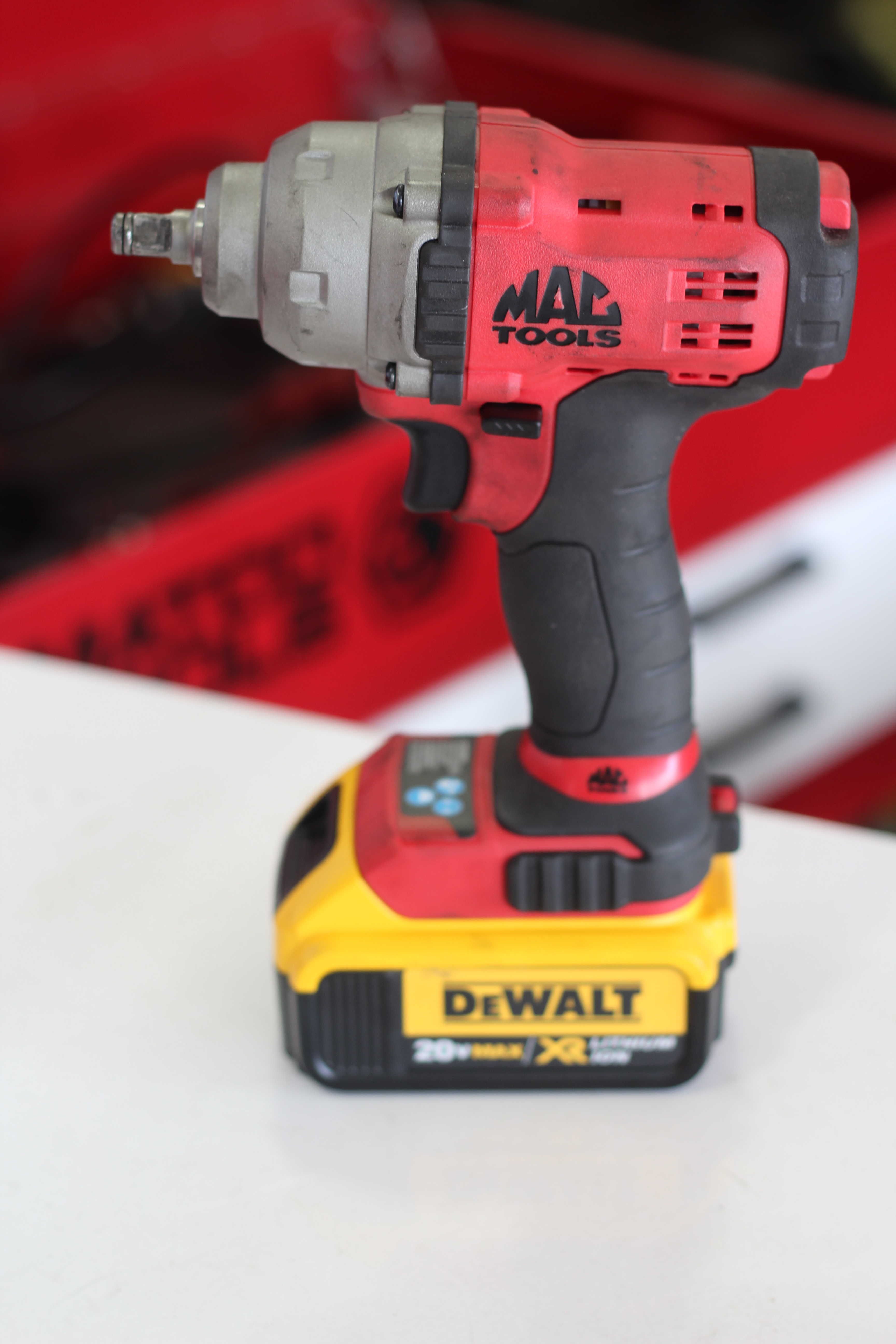One week with the DeWalt 20v max XR 1/2 impact and Mac Tools
